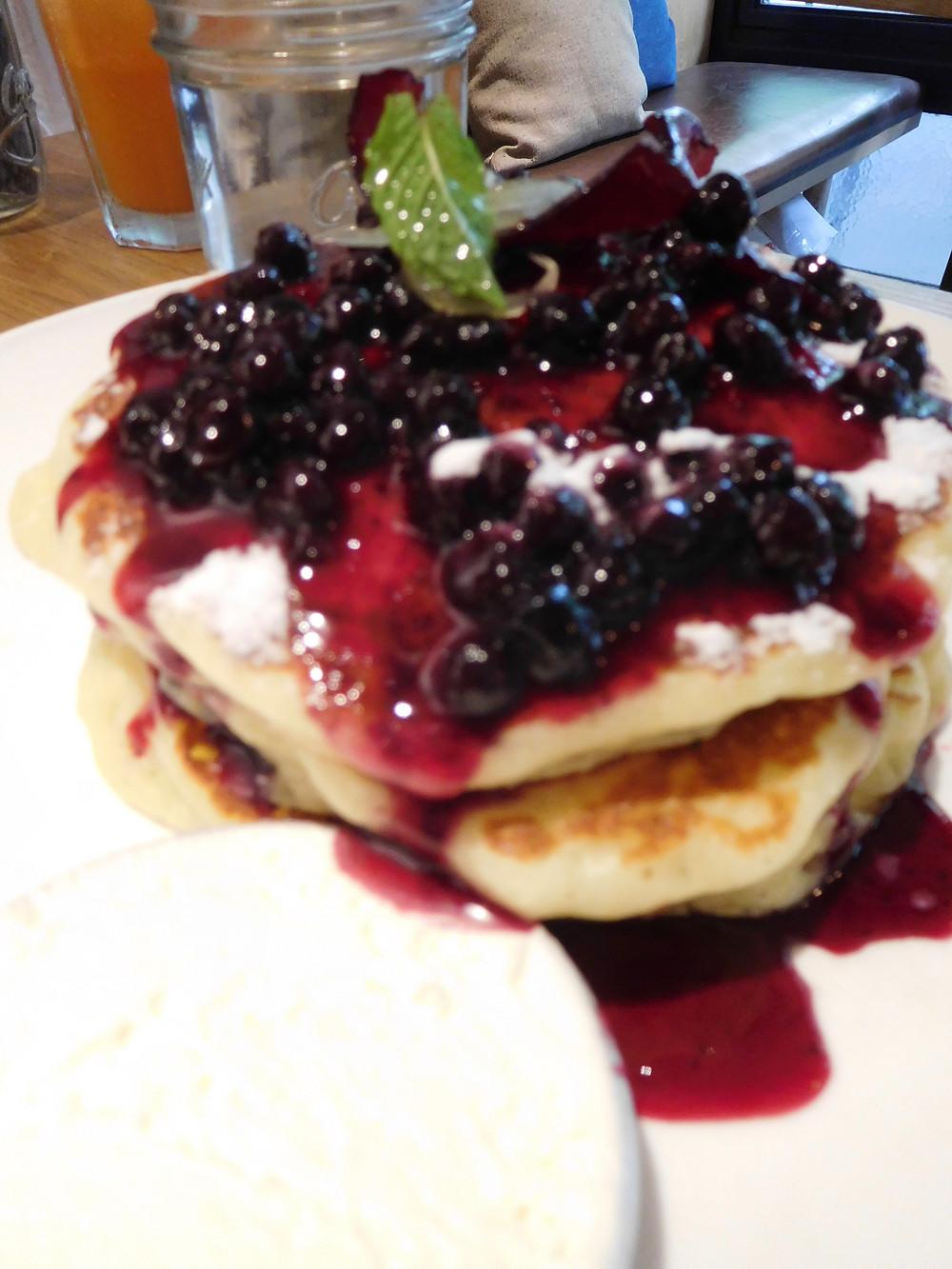 Blueberry Lemon-Ricotta Pancakes at Al's Diner, Shanghai