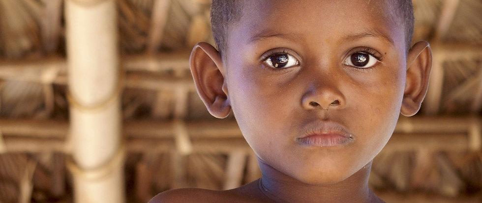 portrait d'un jeune garçon malgache, le parrainage