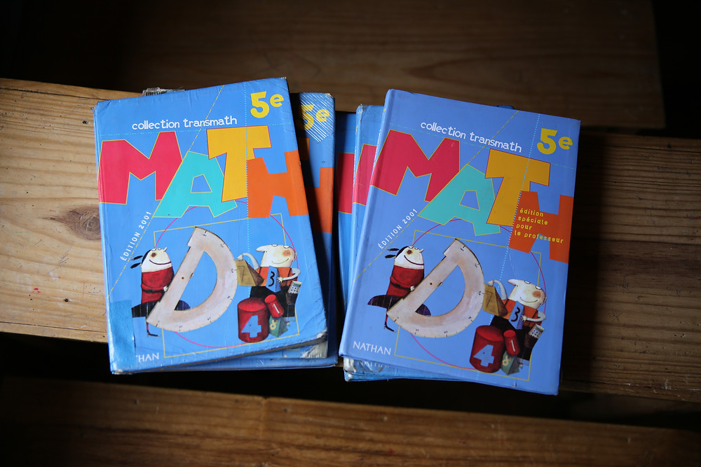 Nouveaux manuels scolaire pour l'école Règne à Madagascar