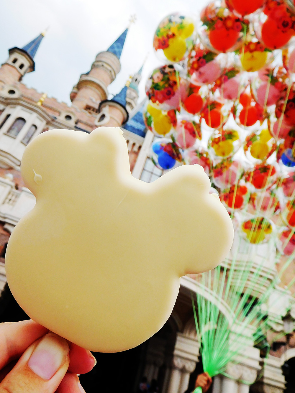 Minnie Mouse ice cream bar at Shanghai Disney Resort