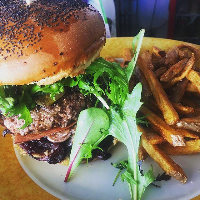 Notre #Burger #Rossini, a l'ardoise cett
