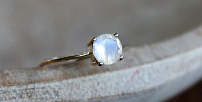 Aria Solitaire Moonstone Ring