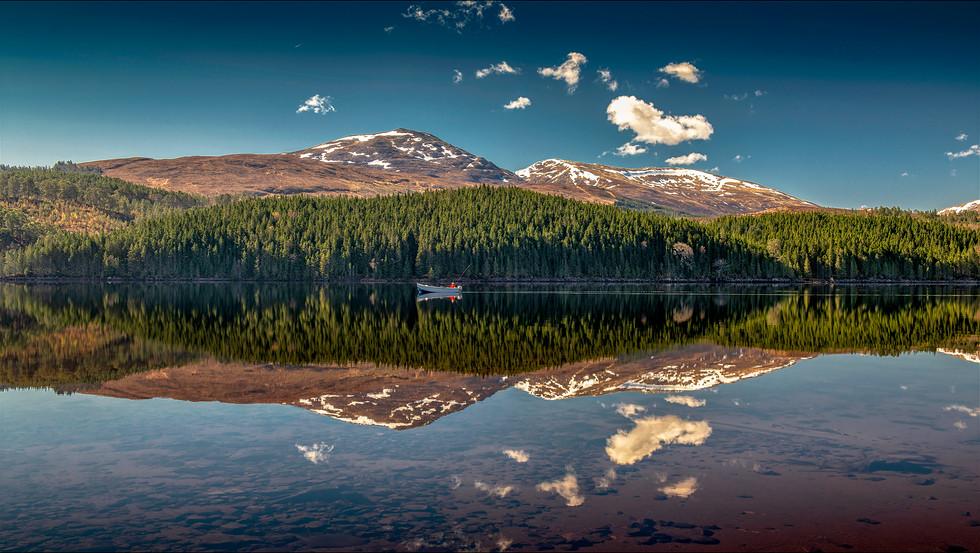 Tranquility on Loch Lochy.