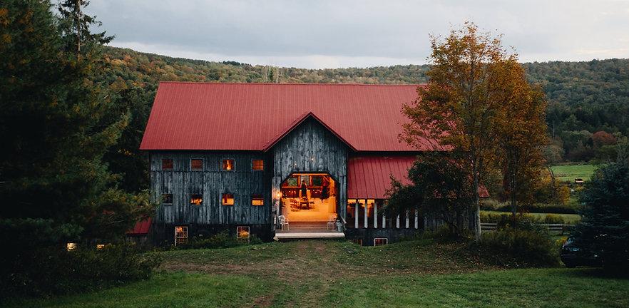 Erica-Jerry-2019-09-Catskills-Farm-Weddi