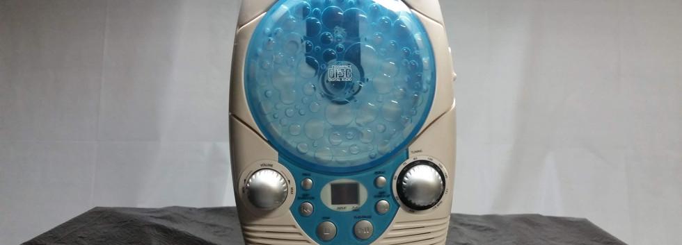 CD/AM-FM Shower Radio