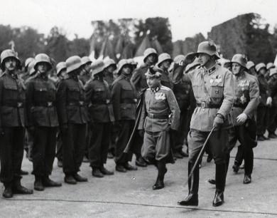 Dollfuß, Starhemberg und Fey bei der Großkundgebung der Heimwehren in Schönbrunn (1933)