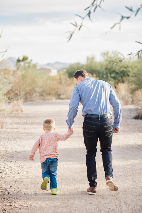 Gilbert Family Photographer-6.jpg