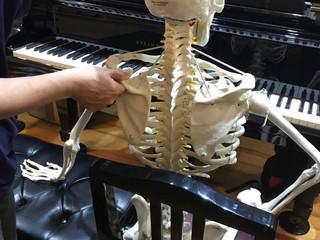 ジストニアに悩むピアニストのために