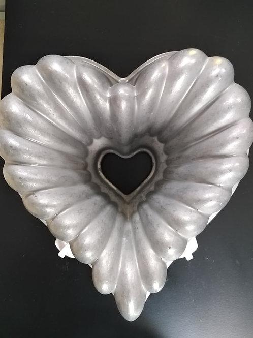 Elegant Heart Bundt