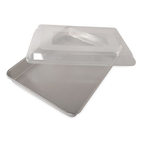 "High-Sided Sheet Cake Pan With Lid (17.75"" x 13"" x 2"")"