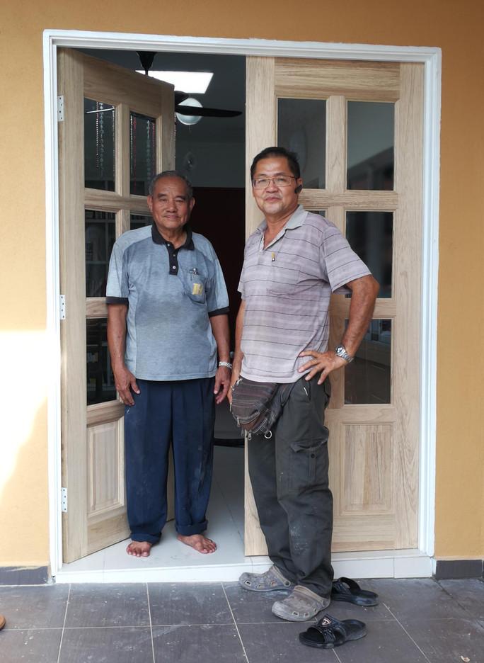 Wood door craftsman