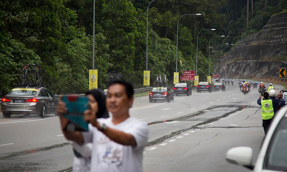 serembanonline photograph by Nic Falconer nicalisss of Le Tour de Langkawi cyclists descend Mt Putus near Seremban Negeri Sembilan