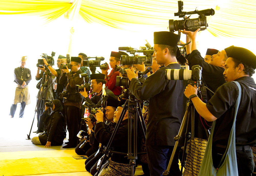 nicaliss serembanonline photograph of the15th Undang for the Luak Johol, Datuk Muhammad Abdullah media attend the ceremony