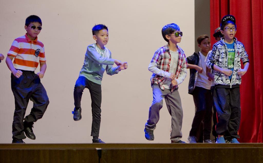 serembanonline photograph of children at Matrix Global school on International day by photographer Nic Falconer
