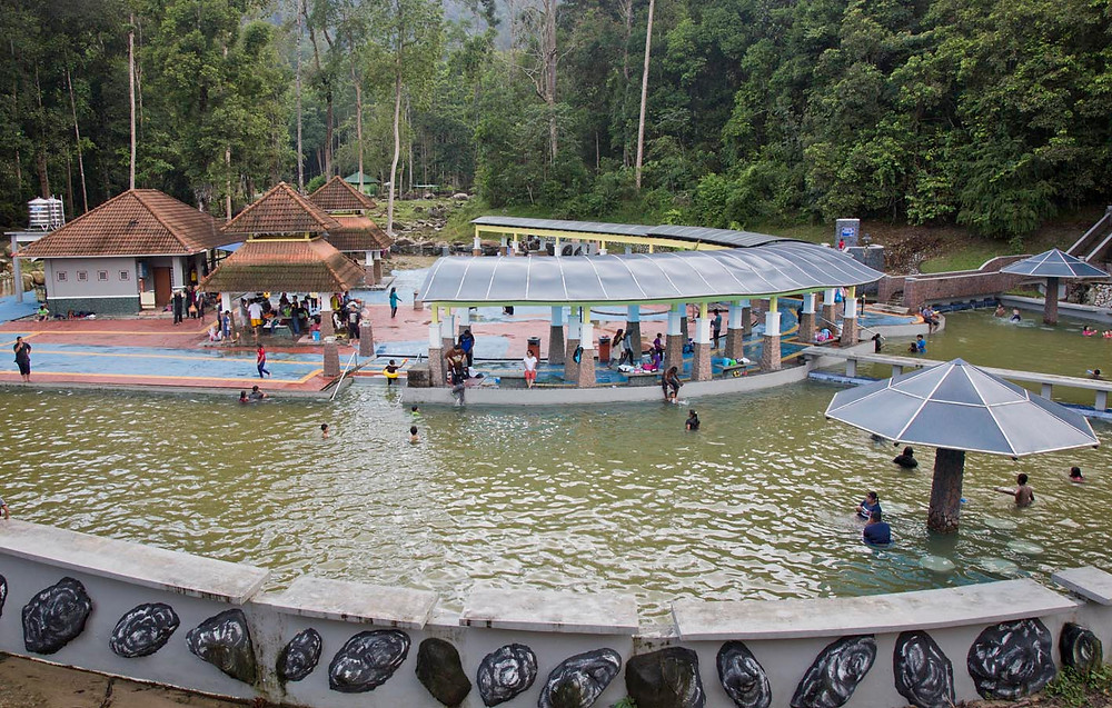 serembanonline photograph of Ulu Bendul bathing and swimming complex by photographer Nic Falconer nicaliss