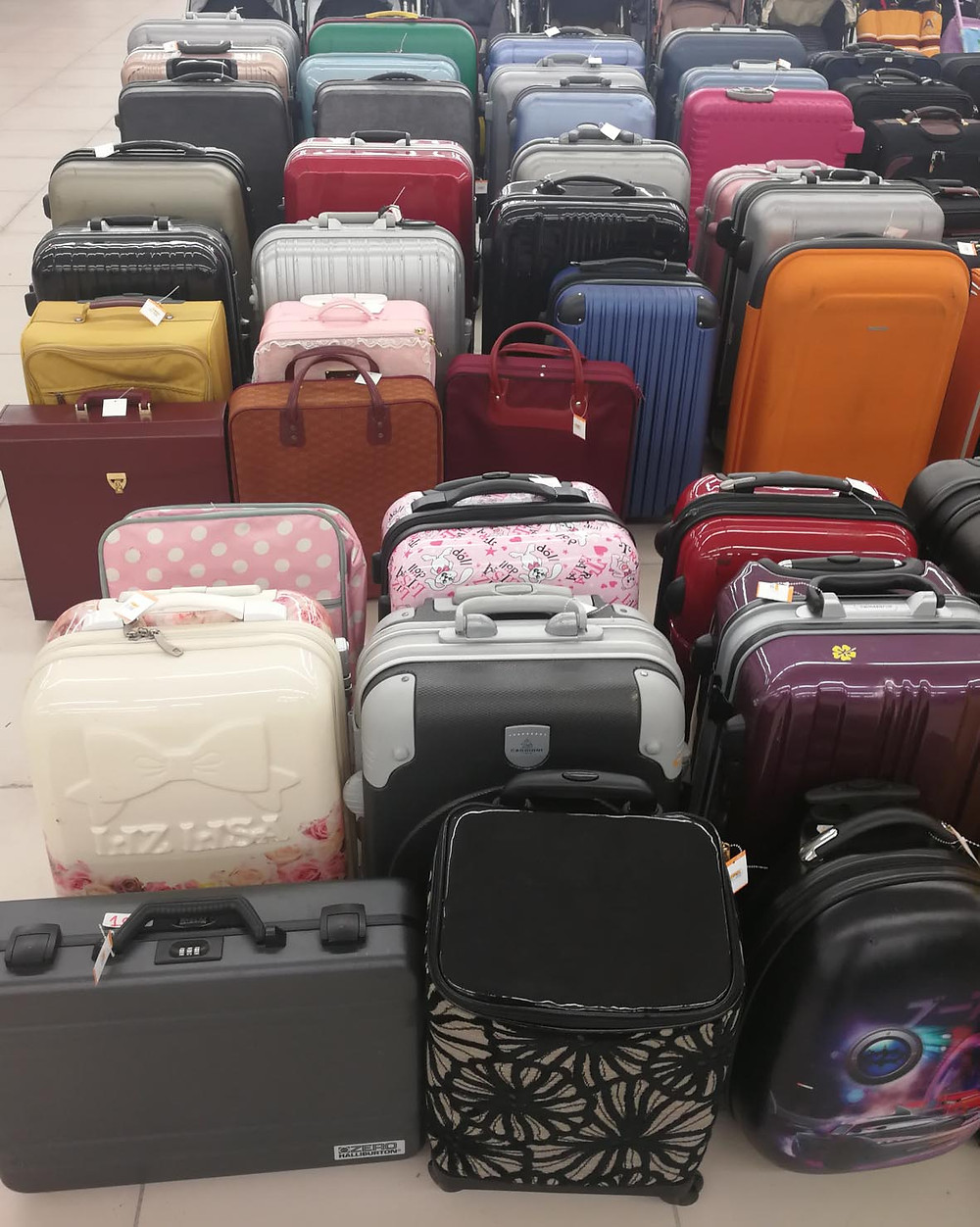 serembanonline photograph of luggage at jalan jalan japan at Centrepoint shopping centre by photographer Nic Falconer nicaliss