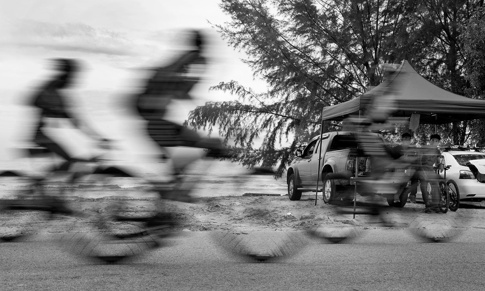serembanonline photograph of cyclists from Seremban bike  club riding at Port Dickson, Negeri Sembilan by photographer Nic Falconer
