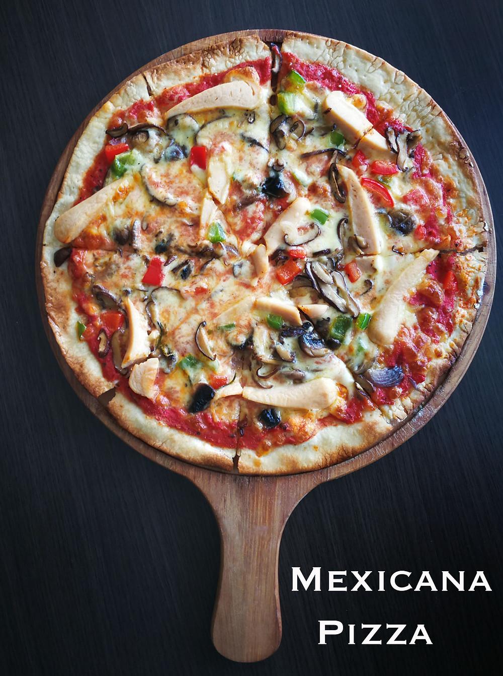 serembanonline photograph of Mexicana Pizza at MoVida, d'Tempat Country Club at Sendayan by photographer Nic Falconer nicaliss