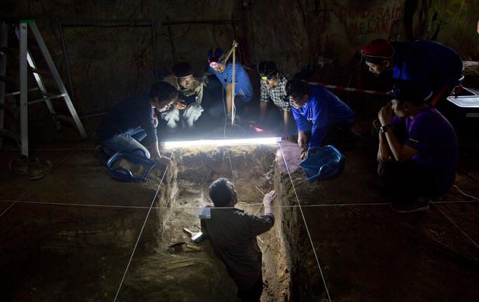 Negeri Sembilan's rainbow cave dig