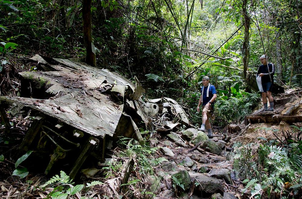 serembanonline ©photograph of a B-24 Liberator bomber crashed in the jungle near Seremban's Gunung Berembun by photographer Nic Falconer nicaliss