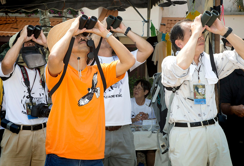 serembanonline photograph of birdwatchers and binoculars at tanjung Tuan by Nic Falconer nicaliss