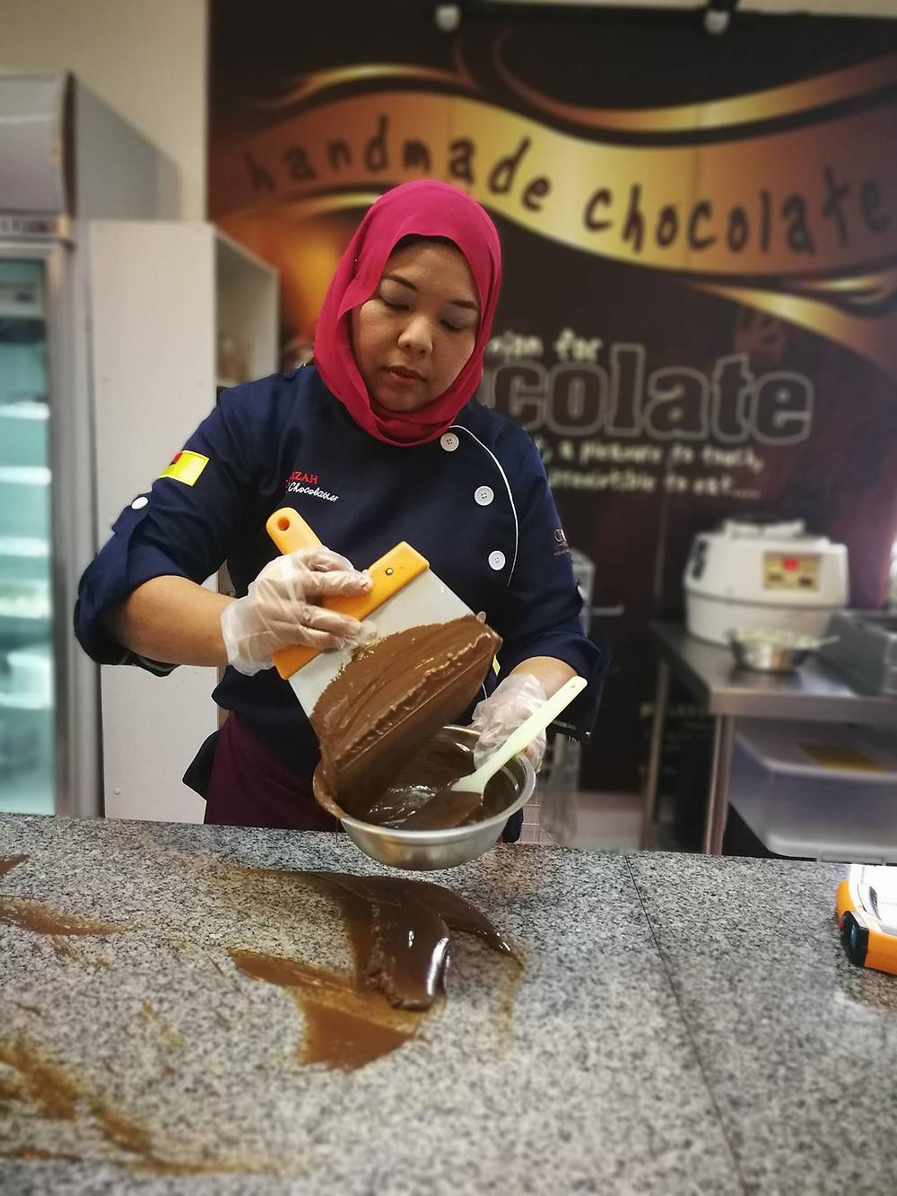 serembanonline photograph of Chocsvalley chocolate and Siti Kassim by nicaliss photographer Nic Falconer