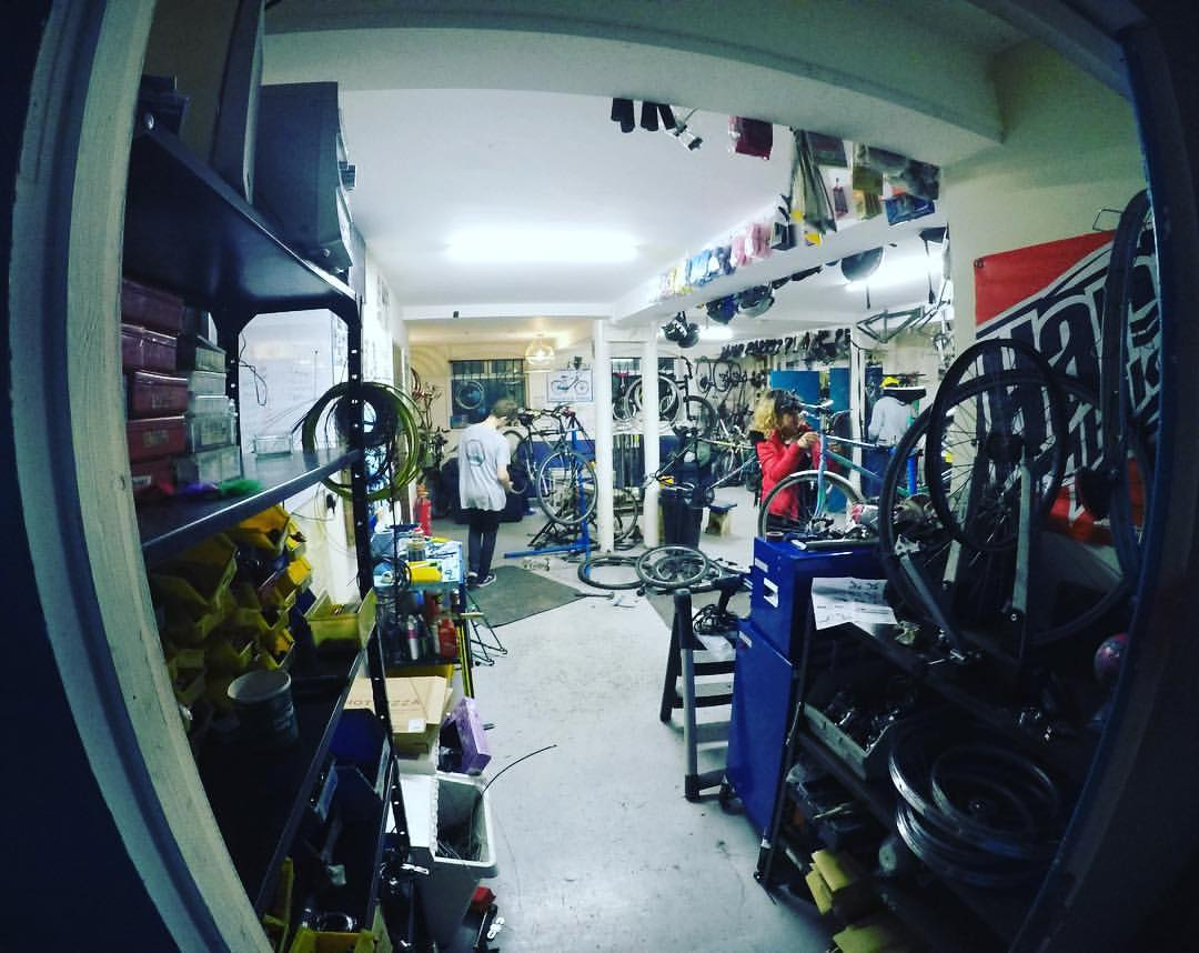 A tidy workshop... a true unicorn!