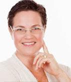 מאמנת ויועצת עסקית ובעלת עשר שנים של ניסיון בליווי ויעוץ עסקי ו-12 שנות ניסיון בניהול שיווק ופרויקטים בחברות התקשורת הגדולות.