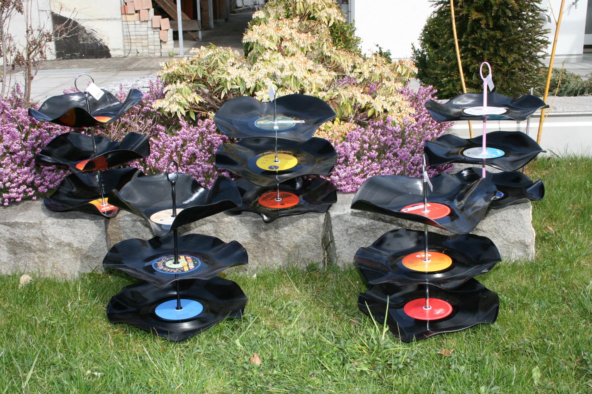 Schallplatten - Etagèren gewellt