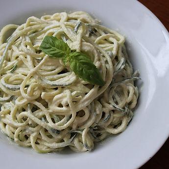 4 Ways to Yummy Zucchini Zoodle Alfredo