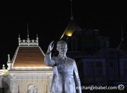 saigon_ho_chi_minh_statue_monument_night