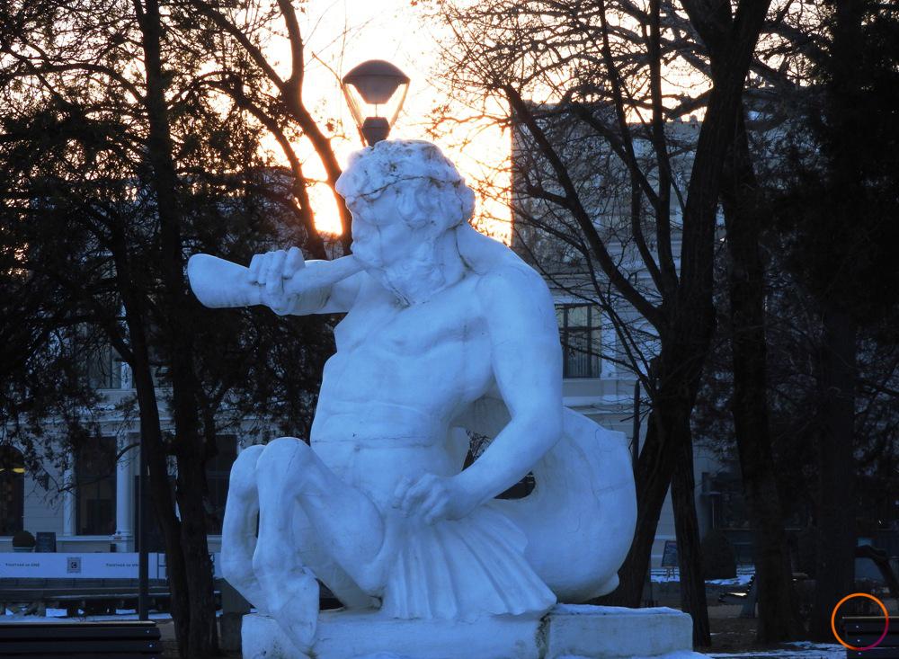 Cluj_fountai_detail