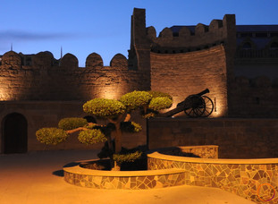 Baku - walls