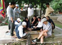 vietnam_hanoi_playing _checkers