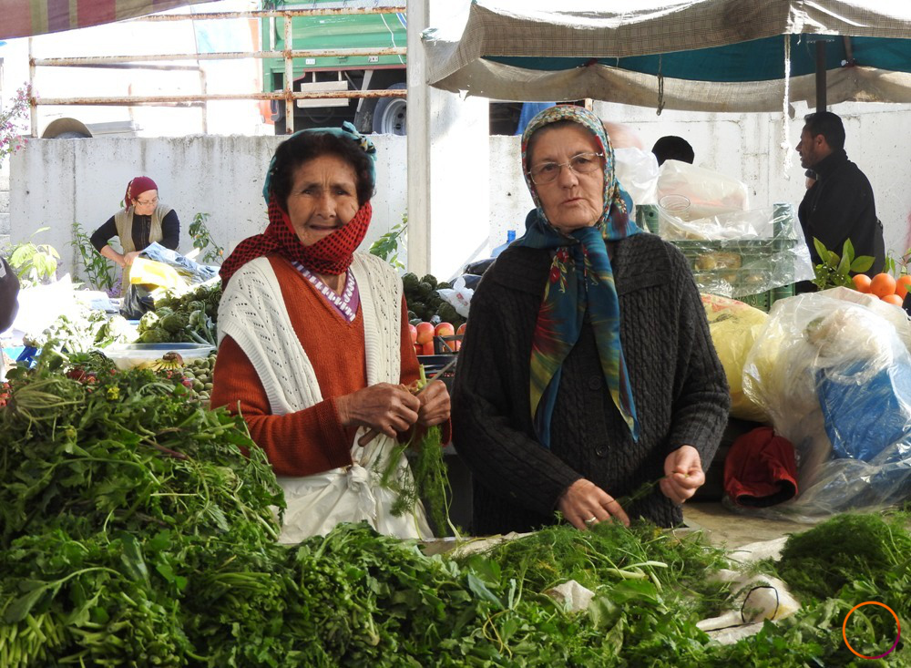 Urla_at the market