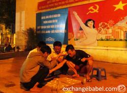vietnam_hanoi_playing _checkers_comunism