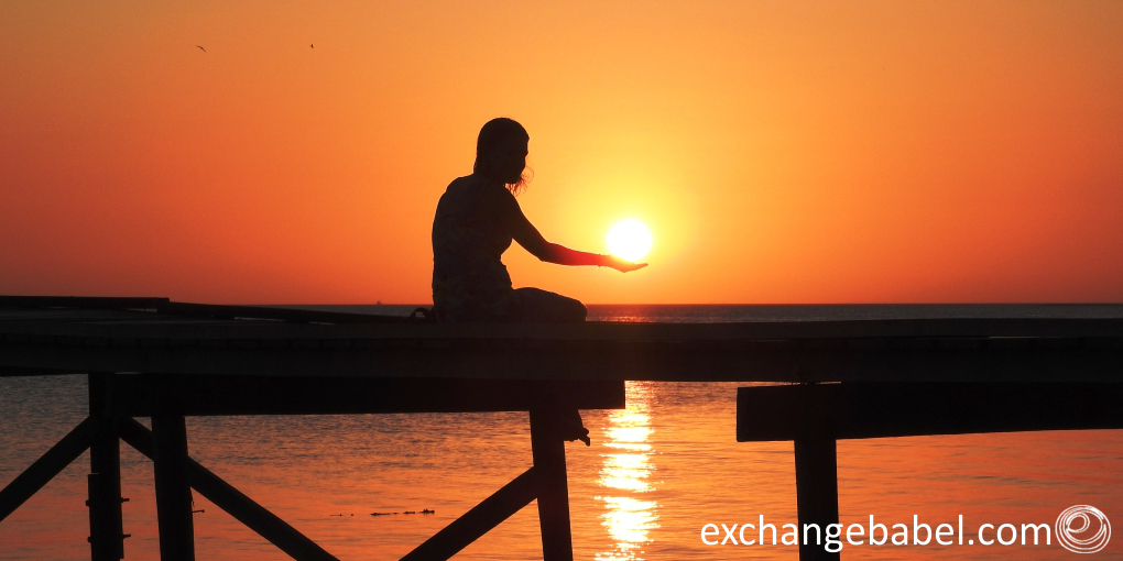 sun_in_your_hand_mantanani_island_borneo_Malaysia