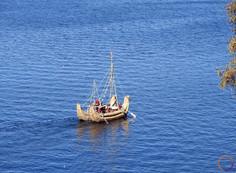 isla del sol - traditional boat