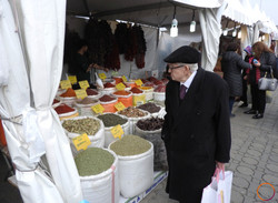 Istanbul_at the market
