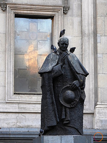 bird and statue
