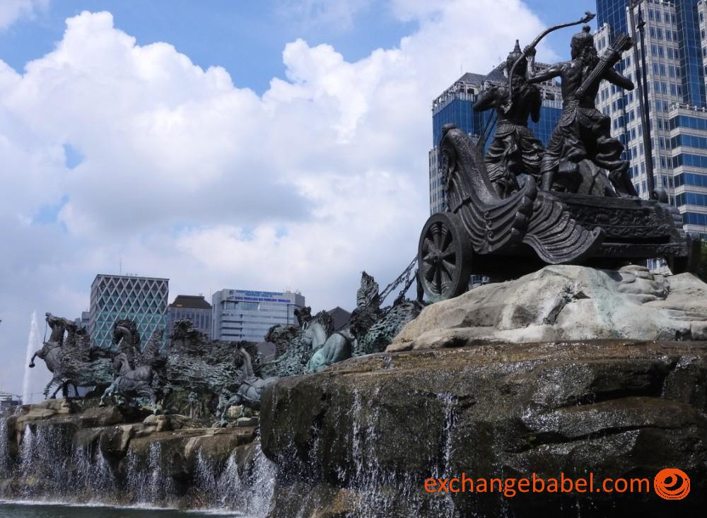 chariot statue_Jakarta