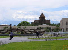 Echmiadzin - armenian church.jpg