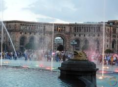 Yerevan - dancing fontain.jpg