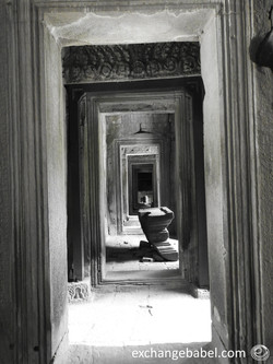 siemreap_angkorwat_bayon_cambodia_endless_corridor