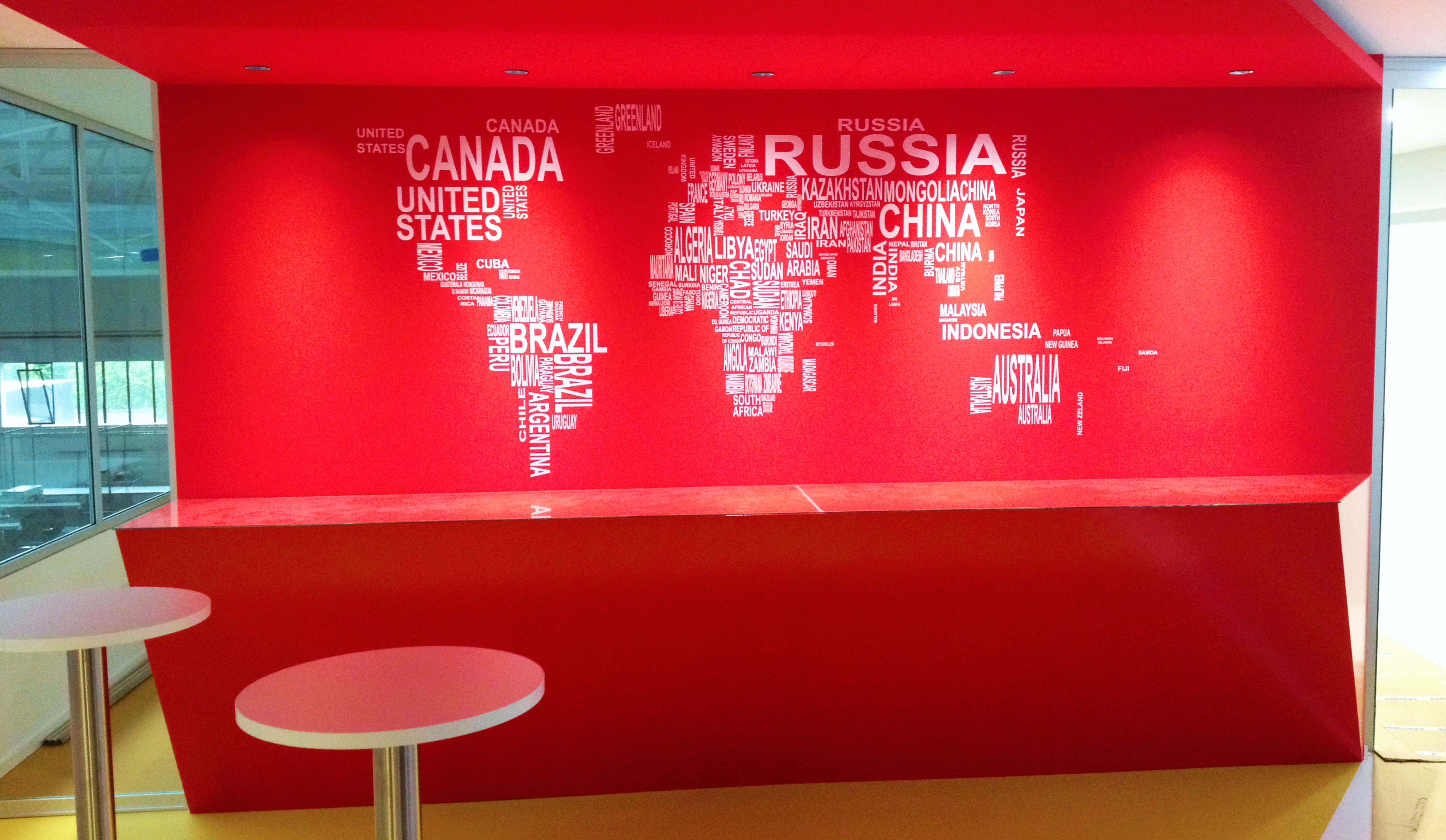 Mapa mundo em recorte de vinil