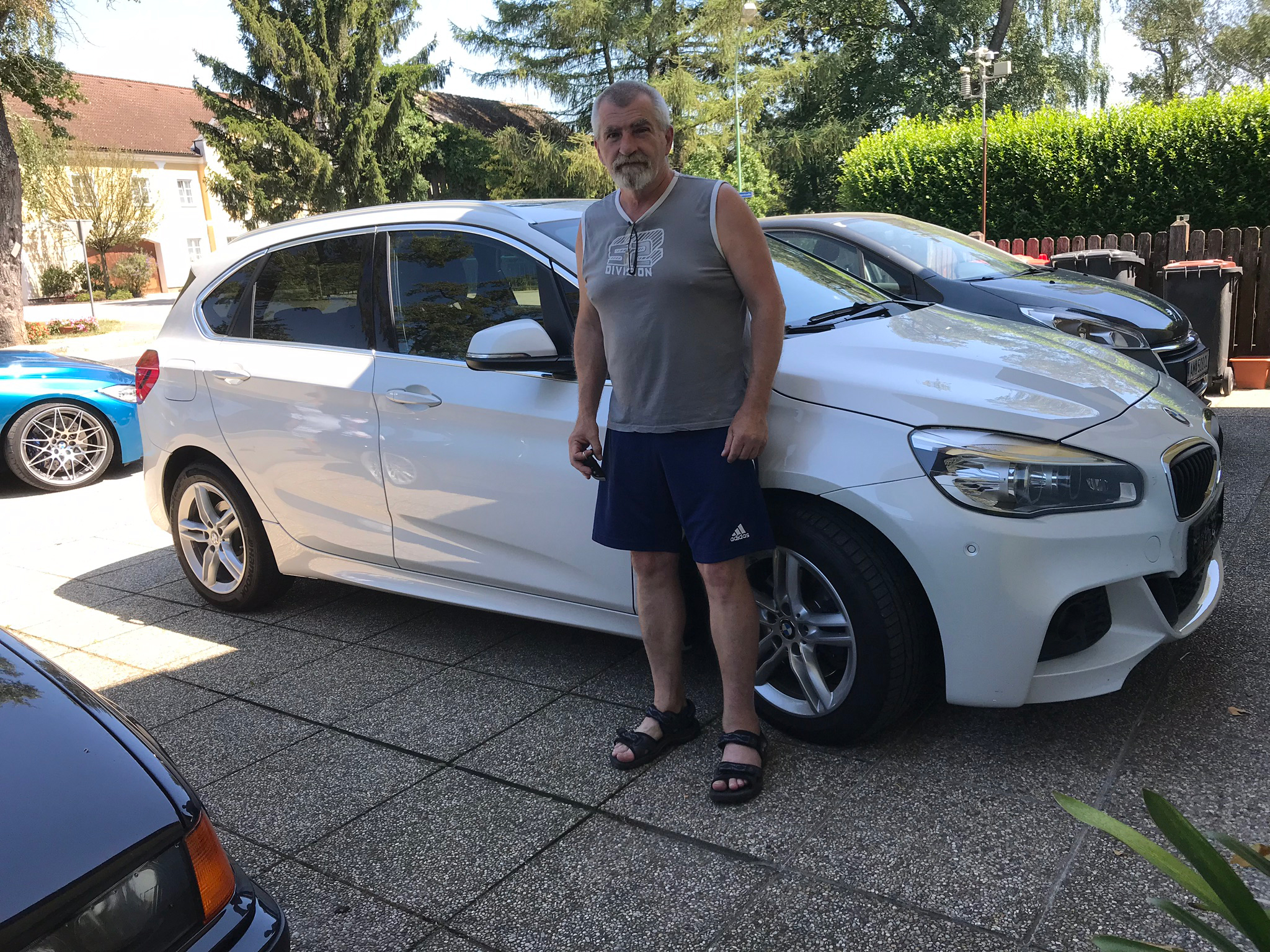 220-BMW