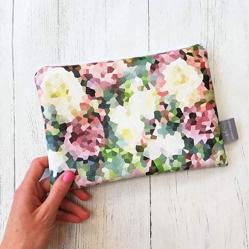 COUNTRY ROSE   Faux Leather Pouch