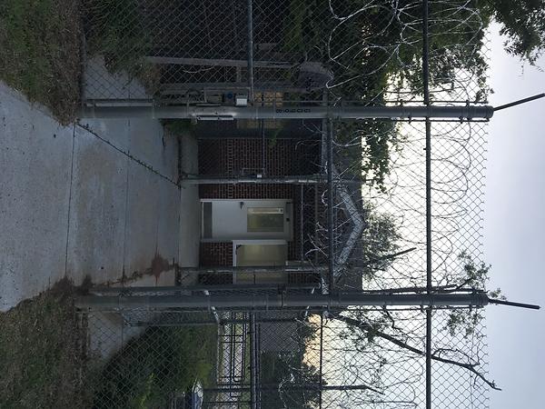 prison_entrance_exit_1.HEIC