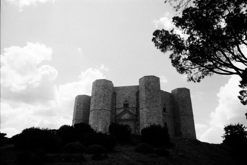 Castel del Monte / Canon AE-1 / BW 400