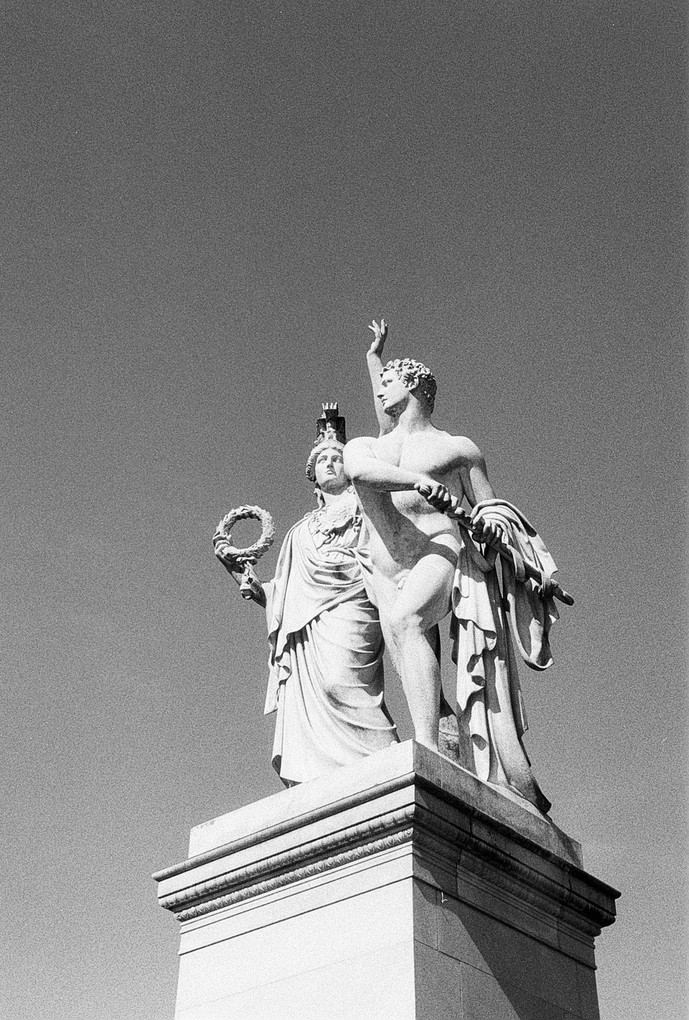 Athena Leads the Young Warrior / Agfa Silette / BW 400